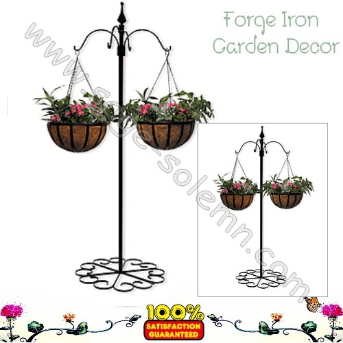 China Factory Supply Wrought Iron Metal Garden Hooks Brackets